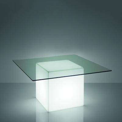 Square asztal világítva